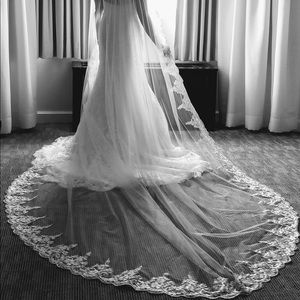 Other - NEVER WORN Cathedral lace wedding veil in ivory